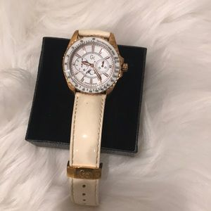 Guess Collectible whatch